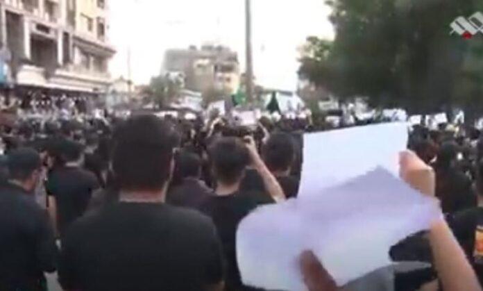 تظاهرات مردم عراق برای مطالبه بازسازی قبور ائمه بقیع(ع)